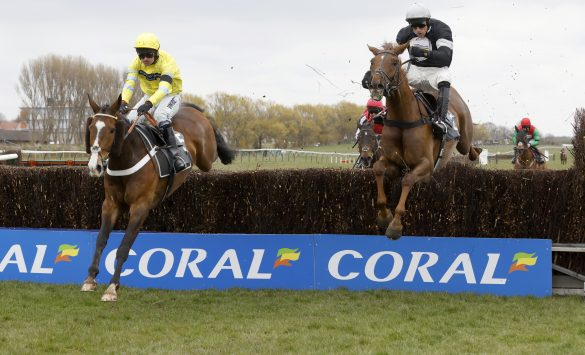 Theinval and Nico De Boinville win for Nicky Henderson at Ayr.